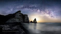 Moonrise Camera: Canon EOS 5DS R Lens: EF16-35mm f/2.8L III USM Don't forget to like the page or subscribe for more Milky Imagery! Image credit: http://ift.tt/2ouclNT #MilkyWay #Galaxy #Stars #Nightscape #Astrophotography #Astronomy