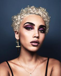 20 Cute And Flattering Curly Pixie Cut Ideas , Super Short Curly Platinum Blonde Pixie Cut With A Side Part , Short Curly Cuts, Short Curls, Curly Hair Cuts, Curly Hair Styles, Natural Hair Styles, Natural Hair Pixie Cut, Hairstyle Curly, Curly Pixie Haircuts, Pixie Hairstyles