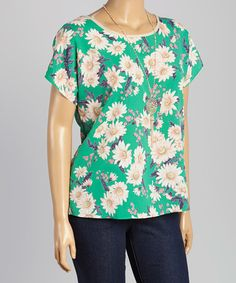 Loving this Green & White Daisy Top & Necklace - Plus on #zulily! #zulilyfinds