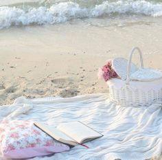 faeryhearts:  Picnic By The Sea.
