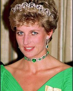 Princess of Wales wearing the tiara which Queen Mary had made up in 1914 and the emeralds, also belonging to the Queen's grandmother on November 11, 1993. (AFP/Joel Robine)