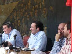 Caras sonrientes en el ampliado de Vamos Uruguay. 21/09/2013