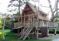 De speeltoestellen van Boomhut.nl kenmerken zich door de uitdagende, thematische ontwerpen boordevol spannende en natuurlijke spelmogelijkheden. Met een slim ontwerp en divers parcours worden kinderen van jong tot oud geprikkeld tot inventief spel en behoudt de speeltuin altijd zijn uitdaging. Het gebruik van natuurlijke materialen en veel details in de afwerking, waarbij hout altijd de … Best Tiny House, Wooden Playhouse, Wooden Art, Play Houses, Garden Inspiration, Playground, Cool Kids, Backyard, House Styles