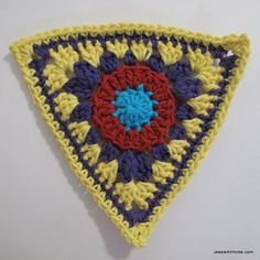 circle-to-triangle-bunting-round-six - photo tute on triangular bunting, great blogger! thanks so xox
