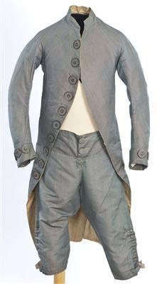 Ensemble (image 1) | Spain | 1785-1800 | silk | Textilteca CDMT | Museum #: 11627