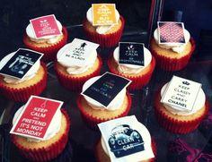 Cupcakes con mensaje: Happy birthday Ro!!