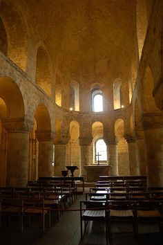 Chapel of St. John the Evangelist in the White Tower, Tower of London .