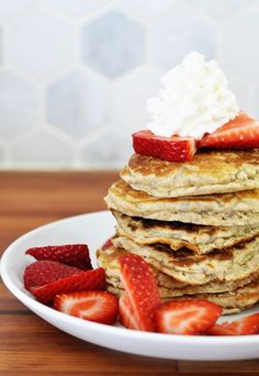 On Breastfeeding + A Recipe for Oatmeal Lactation Pancakes - Breastfeeding/Lactation Recipes - Lactation Cookies Lactation Recipes, Lactation Cookies, Oatmeal Recipes, Lactation Foods, Freezer Recipes, Freezer Meals, Breastfeeding Foods, Breastfeeding Support, Brewers Yeast