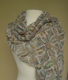 Reguilette linen scarf – French Needlework Kits, Cross Stitch, Embroidery, Sophie Digard – The French Needle