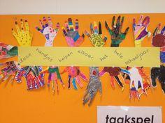 2d Knutsel: deze handjes helpen elkaar gedurende het hele schooljaar.