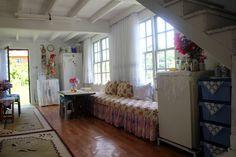Köydeki en güzel ev Live, Bed, Furniture, Home Decor, Decoration Home, Stream Bed, Room Decor, Home Furnishings, Beds