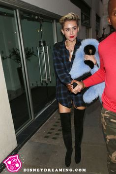More details about Miley Cyrus and Liam Hemsworth's breakup.