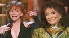 Reba McEntire Pleases Loretta Lynn With Delightful Cover Of 'You're Lookin' At Country'