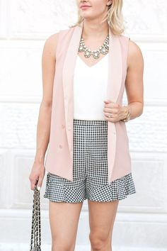 Nice 40 Stunning Summer Outfit Ideas With Blush Pink. More at https://wear4trend.com/2018/06/29/40-stunning-summer-outfit-ideas-with-blush-pink/