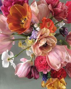 Spring Aesthetic, Flower Aesthetic, Flower Background Wallpaper, Flower Backgrounds, Floral Artwork, Art Floral, Foto Real, Flower Art, Floral Arrangements