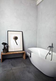 33 black slate bathroom floor tiles ideas and pictures Quirky Bathroom, Slate Bathroom, Minimal Bathroom, Bathroom Floor Tiles, Grey Bathrooms, Modern Bathroom Design, Bathroom Colors, Bathroom Interior Design, Bathroom Black