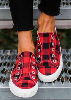 Plaid Slip-On Round Toe Flat Sneakers. Slip into style and comfort in these Plaid Slip-On Sneakers. They feature a slip-on style, plaid fashion, comfy insoles, a closed toe. This shoe goes perfectly with almost any outfit. Cute Shoes, Me Too Shoes, Over Boots, Fashion Flats, Fashion Outfits, Stylish Outfits, Plaid Fashion, Girl Outfits, Unique Outfits
