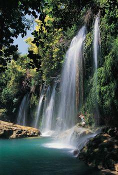 Duden Falls, Antalya, TurkeyDüden-Wasserfall Wasserfall in der TürkeiAdresse: Çağlayan Mahallesi, Lara Cd. No:457, 07230 Muratpaşa/Antalya, TürkeiHöhe: 40 mGrößte Stufe: 40 m
