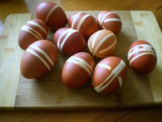 Pisanka (or plural: pisanki) is a name for eggs decorated especially for Easter. There are many various techniques for decorating Easter eggs. Today, I'm introducing one of the traditional wa…