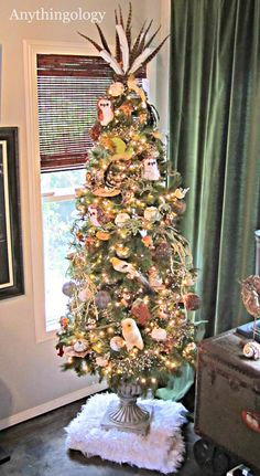 Anythingology Thanksgiving Tree- the owls and feathers on top are a great idea Holiday Tree, Holiday Crafts, Holiday Decor, All Holidays, Christmas Holidays, Fall Projects, Diy Projects, Thanksgiving Tree, Holiday Traditions