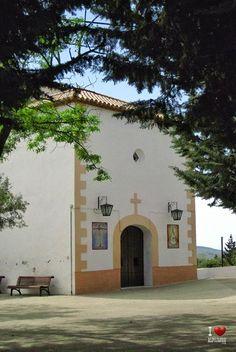 Ermita de Paterna del Río Love, Mansions, House Styles, Home Decor, Nice, Amor, Decoration Home, Room Decor, El Amor