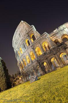 Roman Colosseum - #Roma Italy, via Flickr.