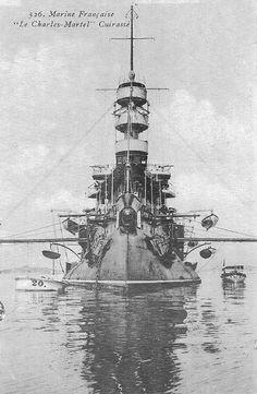 Marine Francaise, E Boat, Hms Hood, Steam Boats, Marine Engineering, Naval History, Viking Ship, Flight Deck, Navy Ships