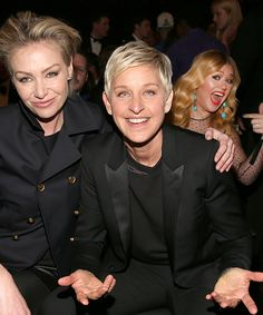 11 celebrity photobombs that deserve their own award
