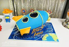 LOVE this spaceship birthday cake a customer made from my collection design. Amazingly talented baker!