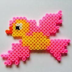 Hama perler bird by Marije van Wouw  - scraphamster