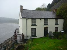 Poet Dylan Thomas lived in the Boathouse in Laugharne, Wales, with his family between 1949 and 1953, the last four years of his life. It was in this house that he wrote many major pieces including Under Milk Wood. The boat house is set in a cliff overlooking the Tâf Estuary... http://www.walesonline.co.uk/news/wales-news/dylan-thomas-laugharne-new-york-6655287