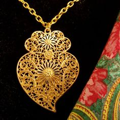 Portugal gold filigree Viana heart folk necklace