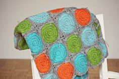 Gorgeos Retro Circles Blanket made by MoniO. Free pattern by Three Beans in a Pod here : thanks so xox http://threebeansinapodcrochet.blogspot.com.au/2012/08/retro-circles-tutorial.html