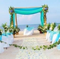 Beautiful beach wedding decor! The Bridal Dish is in LOVE!!! Find event designer/planner who can help you with your big day: http://www.thebridaldish.com/vendors/listings/C5