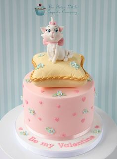 "6"" vanilla sponge with Marie from the Aristocats"