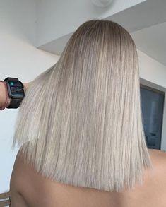 Silver Blonde Hair, Blonde Hair Shades, Dyed Blonde Hair, Blonde Hair Looks, Blonde Hair With Highlights, Platinum Blonde, Hair Dye, Bright Blonde, Gray Hair