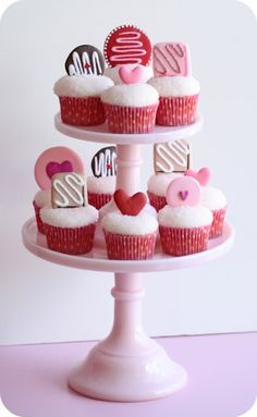 Edible cupcake toppers! LOVE the hearts!