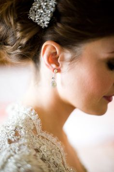 Wedding earrings Beautifully captured by Christian Oth http://www.christianothstudio.com/