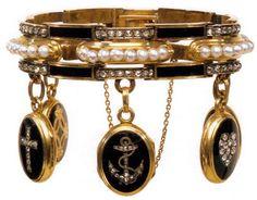 bracelet de deuil à breloques Anglais, de la fin du XIXème