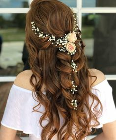 Wedding is the time to wear the best hairdo and makeup. Check the trendy wedding hairstyles for a diva look. Whether you're looking for Boho wedding hairdo, hairstyle with a veil or wedding hair for long or curly hair, we've got you covered. Bridal Hairstyle Indian Wedding, Bridal Hair Buns, Hairdo Wedding, Indian Wedding Hairstyles, Wedding Hair And Makeup, Bridal Updo, Chic Wedding, Bridal Makeup, Perfect Wedding