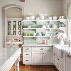 You NEED kitchen shelves in your life! Ready to modernize your home with open shelving in the kitchen? Here are eight easy ways to style your new kitchen shelves! New Kitchen, Kitchen Dining, Kitchen Ideas, Kitchen White, Kitchen Interior, Basement Kitchen, Kitchen Tips, Kitchen Corner, Kitchen Pantry