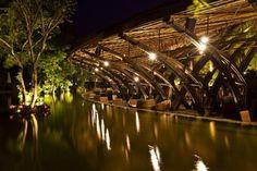 Ala de Bamboo  Vo Trong Nghia ha diseñado una estructura de bambú cerca de cerca de Hanoi, Vietnam, que va a ser utilizado para eventos, ceremonias, bodas.