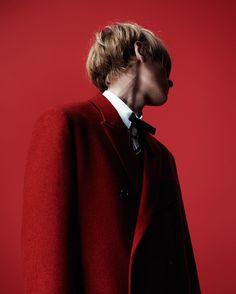 El lujo empieza en casa! Willy Vanderperre retrata desde su personal visión la colección de @dior homme otoño/invierno 16 by i_dspain