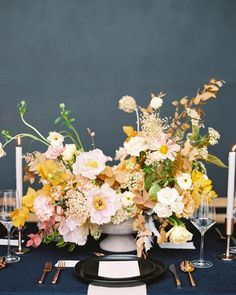 Maxine Owens (@maxowensdesign) • Instagram photos and videos Unique Centerpieces, Wedding Table Centerpieces, Wedding Flower Arrangements, Floral Arrangements, Wedding Decorations, Centerpiece Ideas, Centerpiece Flowers, Centrepieces, Ikebana