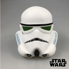 Alcancía Cabeza Stormtrooper  Material: Plástico Peso: 250g Cabeza alcancía 14 cm