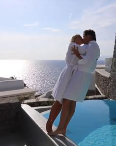 ,Travel The most romantic honeymoon video ever! Related posts:Romantic Wedding Centerpieces with Glamour - MODwedding - wedding dressesSimple Wedding Invitation Cute Couples Kissing, Cute Couples Goals, Couple Goals, Romantic Gif, Romantic Couples, Romantic Photos, Romantic Weddings, Kuala Lampur, Honeymoon Pictures