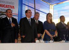 Danilo Medina inaugura escuela y liceo en Villa Mella y Hacienda Estrella