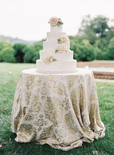 Elegant 5-tiered wedding cake: http://www.stylemepretty.com/2015/11/24/at-home-wedding-in-the-blue-ridge-mountains/ | Photography: Jose Villa – http://josevilla.com/