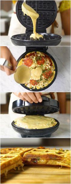 Pizza Waffle FEITA EM 10 MINUTOS #PIZZAWAFFLE #MASSA #pizzas