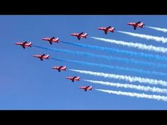 Kaivopuisto Airshow 2017 Red Arrows - YouTube